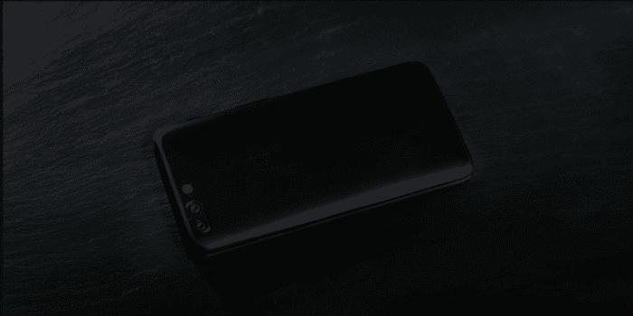 Face arrière du OnePlus 5T, montrant les deux capteurs photographiques