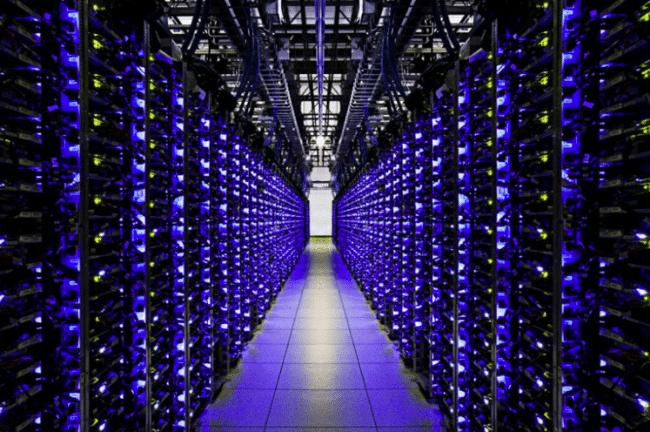 Data center de Google qui conserve de nombreuses données.