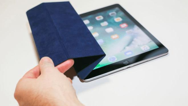 Apple est victime de son succès avec des iPad perfectionnés qui ne sont trop résistant et non remplacés.