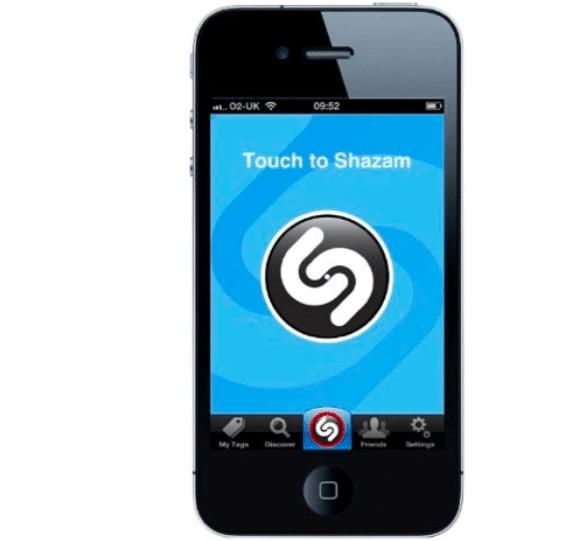 Premier iPhone de Apple sorti en 2007, sur lequel l'utilisateur a pu télécharger Shazam.