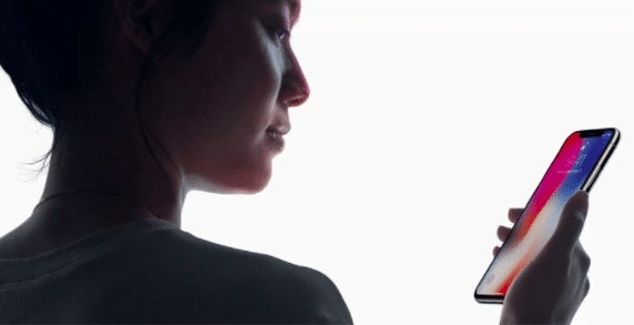 L'iPhone X possède un outil de reconnaissance facial, le Face ID.