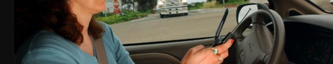 Téléphoner au volant : vers une suspension du permis de conduire ?