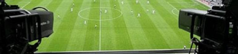 camera filment un terrain de football