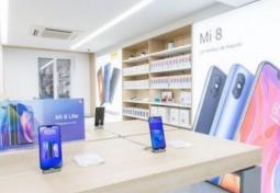 Xiaomi dévoile une technologie pour incruster les objectifs photos dans l'écran.