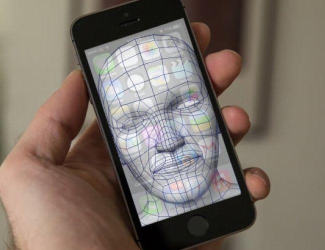 Les problèmes liés à la reconnaissance faciale sonnent le retour de l'empreinte digitale sur les iPhone.