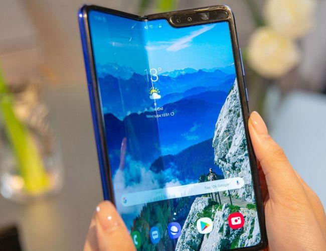 Certaines marques optent pour le smartphone pliant ressemblant à une tablette, contrairement à Xiaomi.
