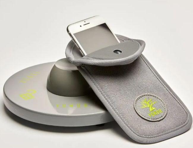 Yondr, start-up américaine, a développé des pochettes magnétiques bientôt indispensables.