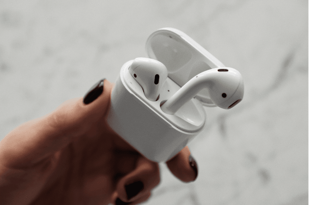Les Airpods de Apple.